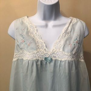 Vintage Baby Blue Nightgown With Lace (S)